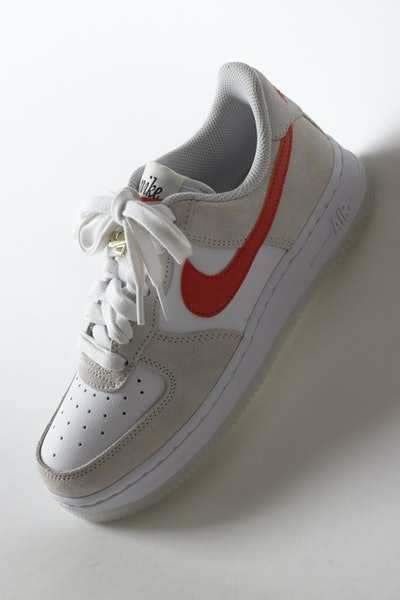 Placeholder for Nike wmns air force 1 07 DA8302 101 2